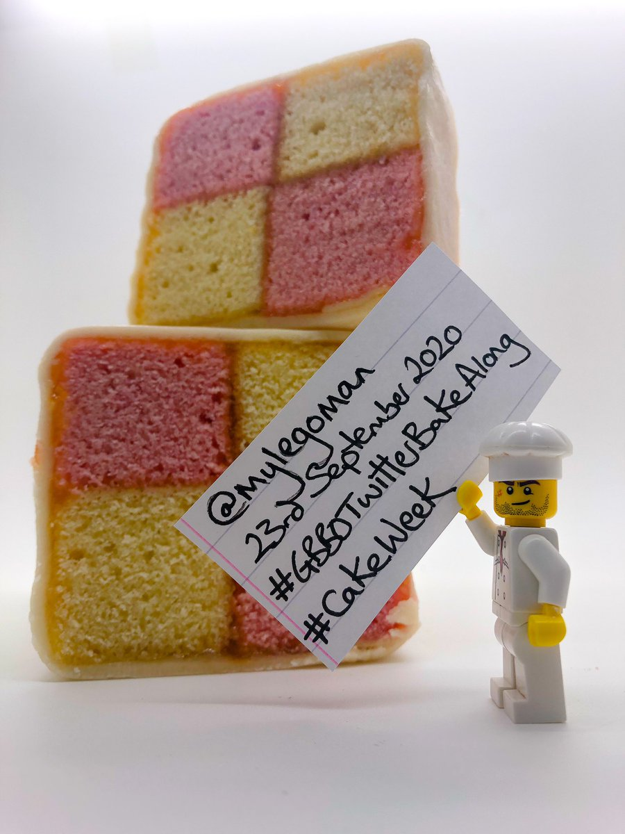 @Rob_C_Allen @thebakingnanna1 #GBBOTwitterBakeAlong I do believe I have made a Classic Battenburg! And it Tastes Decent! #GBBO #bakeoff https://t.co/8MdnqqiwJ1