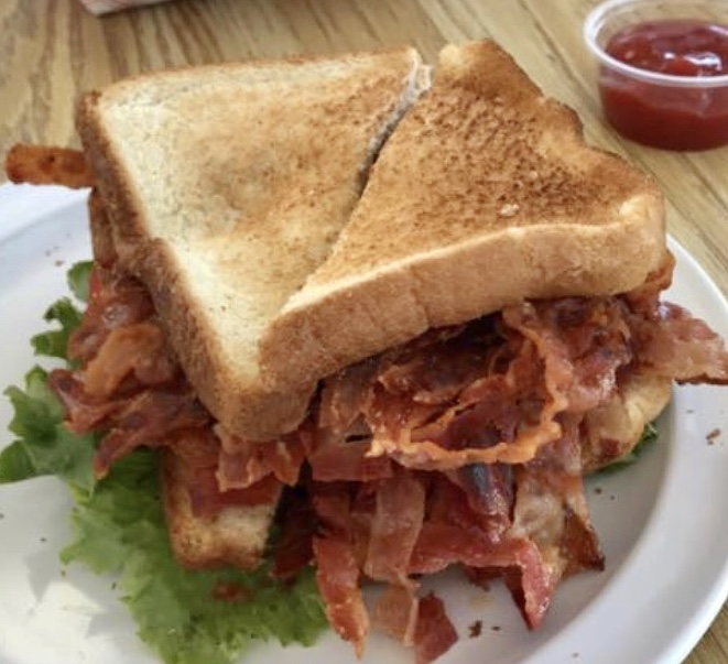 🤤 Wipe the drool off your screen and head on in for our famous BLT with 🔟 slices of bacon!🥓🥓🥓🥓🥓 #yeolefashioned #chseats #holycityeats #chucktowneats #eaterchs #bitesofchs #chstoday #charleston #hotdogs #BLTs #sandwiches #icecream #burgers #milkshakes #sundaes #BLT https://t.co/8j4epB3tG3