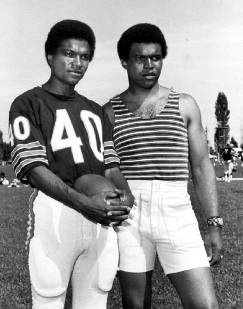 My heart is broken over the loss of my dear friend, Gale Sayers. Portraying Gale in Brian's Song was a true honor and one of the nightlights of my career. He was an extraordinary human being with the the kindest heart. My sincerest condolences to his family 💔#RIPGaleSayers https://t.co/OyQRlwuznU