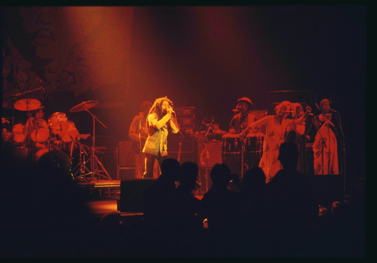 40 years ago today, September 23, 1980, I shot the only known photos of Bob Marley's last concert. I'd never brought a camera to a show before. And I don't know why I did — I think it was karma, or the cosmos, or the universe talking to me. https://t.co/D0tRXpg82v