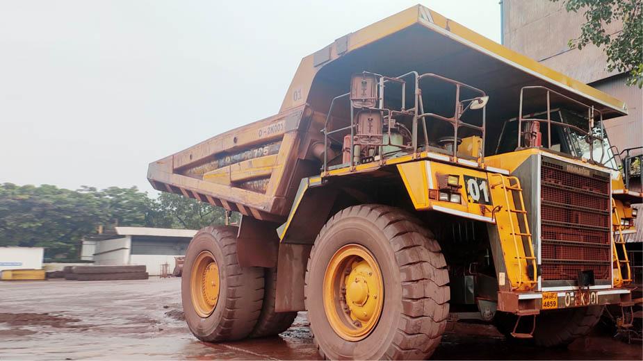 Komatsu HD785 Dumper creates history; logs 60,000 hrs at Tata Steel's Noamundi Iron Ore Minesto https://t.co/hkSHVQibsq  #mining #dumper #miningores #miningfields #miningtrucks #ironore #KOMATSU #minesto #steel #cement #construction #infrastructure https://t.co/jc22DIOips
