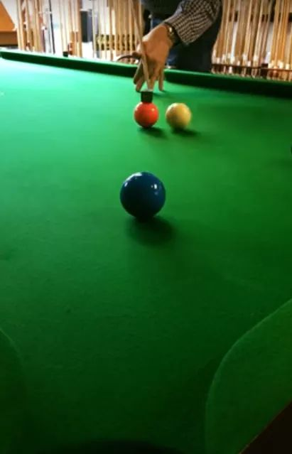 Martin giving the Pro-Chalk a Swerver. Click to watch. https://t.co/6VsKxRmF2Z  #snooker #snookertime #snookerplayer #snookers #snookertable #snookerlove #snookerschool #snookerlife #snookercue #snookerbar #snooker🎱 #snookerworld #snookerloopy #snookerlove #snookertime https://t.co/PKaA9h3CJx