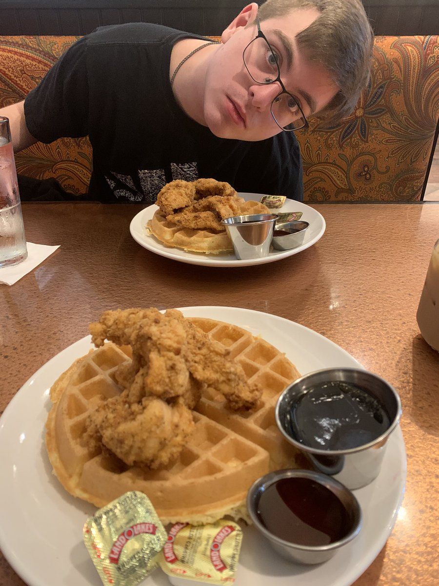Chicken and waffles is smacking rn