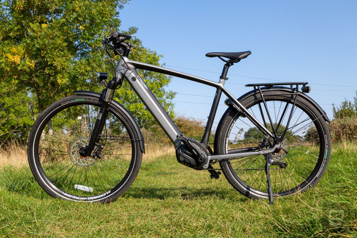 Triumph is known for its classic motorcycles. With the Trekker GT e-bike, though, the company is finally returning to its pedal-powered roots. My impressions:  https://t.co/LAHUCvrZsA https://t.co/w6wYUGr0OL