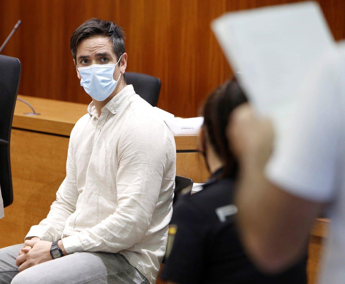 """Lanza, condemnat a 20 anys per assassinat en el segon judici pel """"crim dels tirants"""" https://t.co/1VifjfVrKD https://t.co/4ktqkPBbYV"""