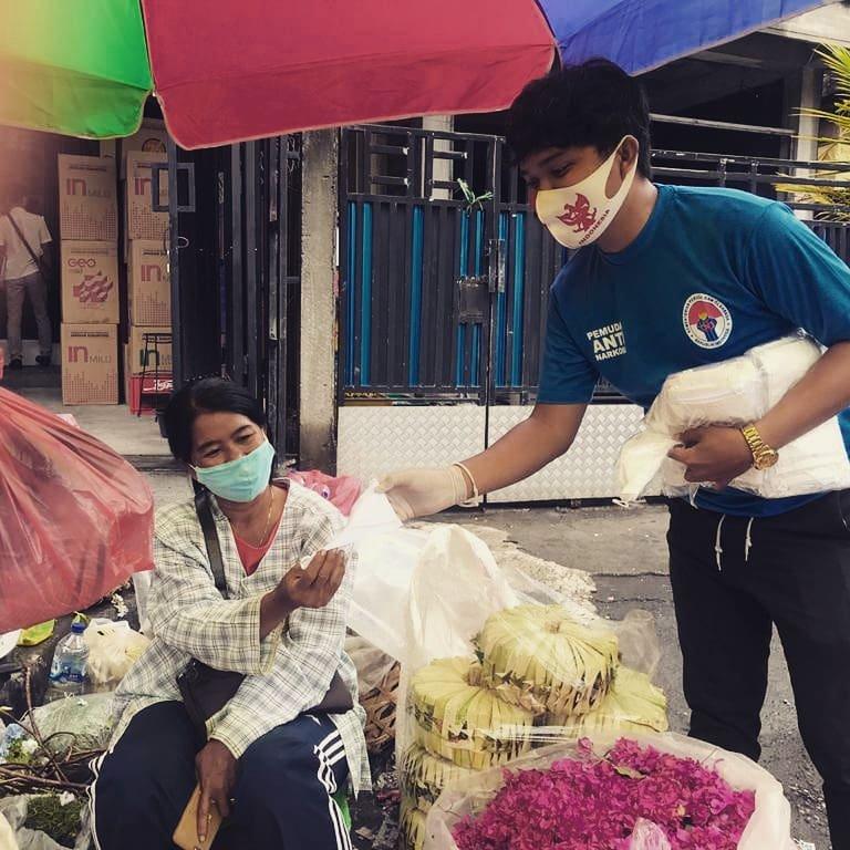 Aksi pembagian 2000 masker untuk masyarakat Bali, bersama #tni #polri#persadhanusantara #peradah #aphb, KMHDI, KIPAN Tabanan , GANNAS Tabanan.  Kegiatan ini akan dilanjutkan Minggu depan Sehabis Hari Raya Kuningan.  I Putu Arya Wiguna KIPAN Tabanan https://t.co/dayRKLyIVm