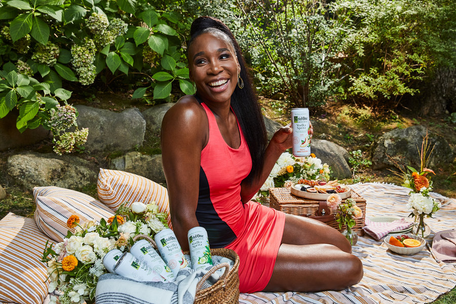 Want to keep as fit as @Venuseswilliams? The tennis prodigy shares all: ow.ly/v6U850BxBgK