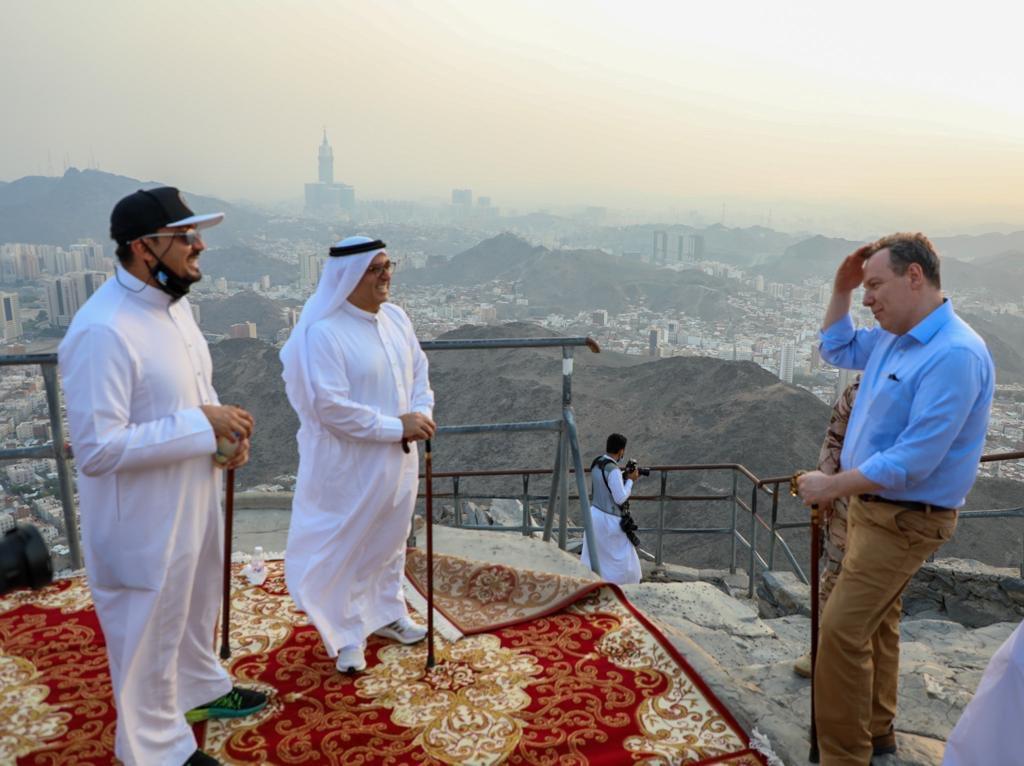 Huge thanks to @walhalabi @AlMehrij and  @RCMC_KSA & @samayainvest for hosting my visit to Makkah. Impressive plans will benefit both residents & visitors. UK 🇬🇧 expertise will continue to partner & support. 🇸🇦 #saudinationalday90 @MakkahChamber  @UKinSaudiArabia @hishamkaaki https://t.co/kPt5rKSFgI