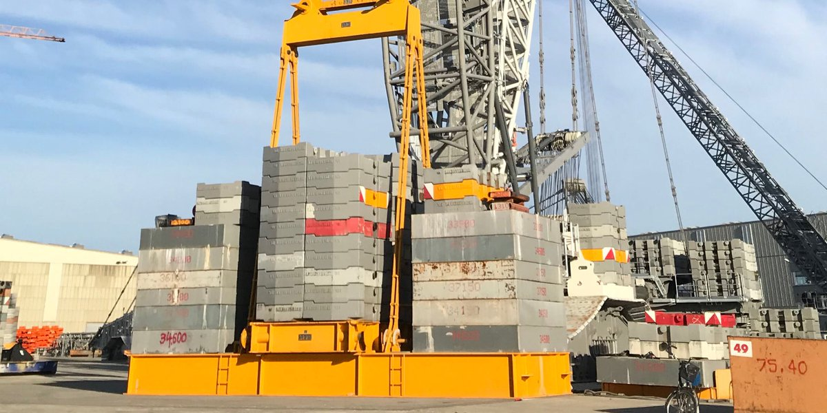 All in the head – 1,000 tonnes on an 800 tonne crane https://t.co/CRZ7Q7oBRG #Liebherr #Ehingen #cranes #tested #tonne #load #extremely #heavy  #hook #block #flexibly #economically #LR1800 #LR11000 #suspended #hook #incredible #performance #crawler #adequate #lifting #capacity https://t.co/oF0A6nfP8K