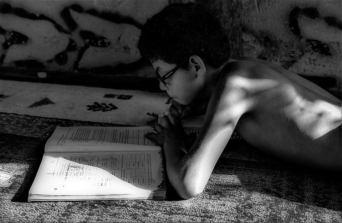 Sem energia e acesso à internet, comunidades tradicionais enfrentam desafios nas aulas remotas. Na comunidade do Suruacá, as mães copiam os conteúdos e atividades dos seus filhos, pois a escola não tem impressora. https://t.co/VOQNKcQlkN  #jornalistavitor https://t.co/w96mSJ4HYw