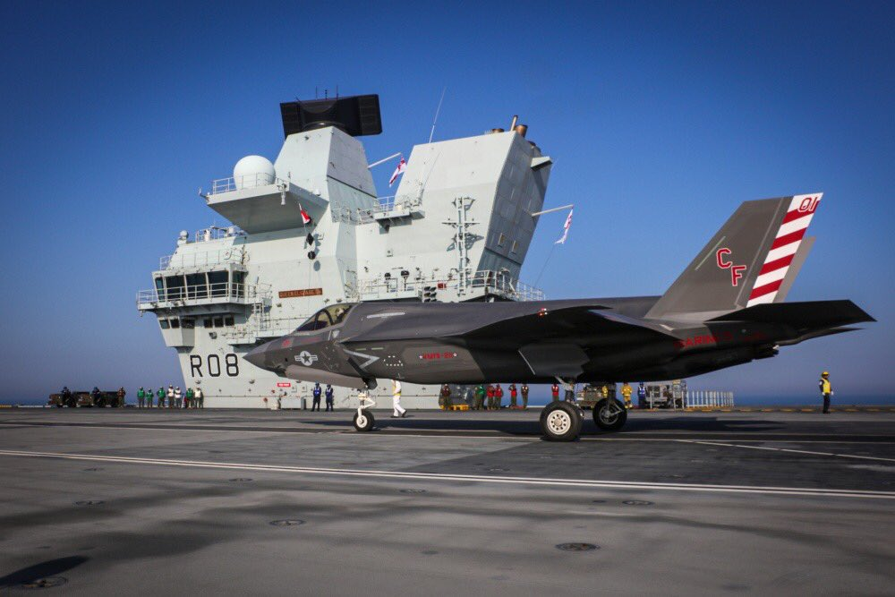 The 🇬🇧 Dambusters & 🇺🇸 Wake Island Avengers team up on HMS Queen Elizabeth – this is the Special Relationship in action! dvidshub.net/news/378443/wa…