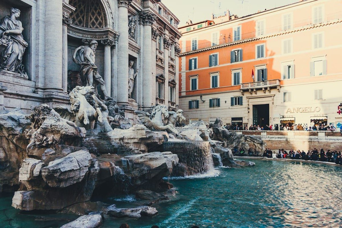 The Trevi Fountain is known as one of the most stunning fountains in the world. Here are 9 facts you might not have known about #Rome's Trevi Fountain https://t.co/AaQrCaGGC8 via @Walks #takewalks https://t.co/osrmpKbBLM