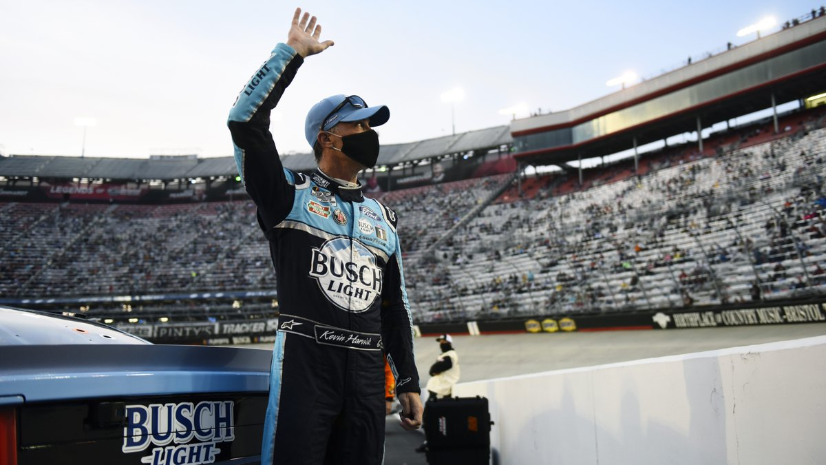 Kevin Harvick will start from the Cup pole position at Las Vegas https://t.co/zgcSdsGVvj #NASCAR https://t.co/6U9WwtgBGy
