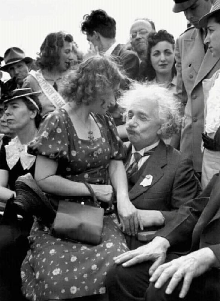 #Einstein believed in chemistry. It was all relative. #captioncontest #CaptionThis https://t.co/26UtgcykHn