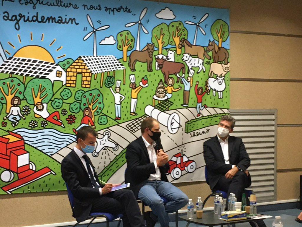#souverainetéalimentaire en❓chez @Agridemain avec @sebastien_abis @montebourg @AgriAvenir La 🇫🇷 doit assumer son statut de grande puissance agricole🌍pour contribuer à #nourrir le monde mais elle ne le fera pas seule. L'équipe de 🇫🇷 agroalimentaire doit exprimer sa performance📶 https://t.co/kcsTXytVgC