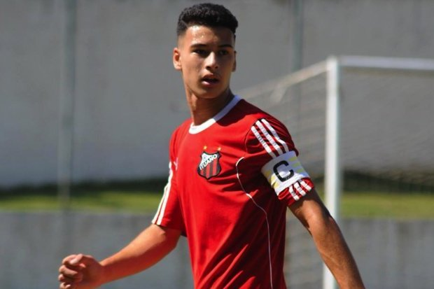 This is Gabriel Martinelli's case.   He went under spotlight when he played for Ituano(@ituanooficial), a small club in the São Paulo State League, a league whose level of play is often comparable to Brazilian 1st and 2nd tiers, definitely higher than 4th tier. +👇 https://t.co/3GB672quyT