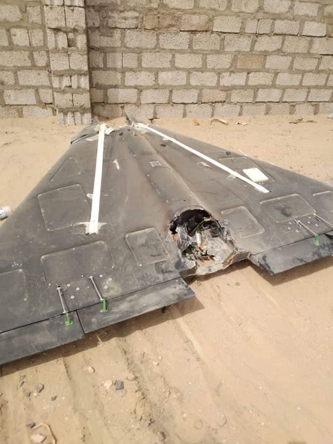 القوات الحكومية تسقط طائرة مسيرة للحوثيين في جبهة العلم شمالي مارب https://t.co/qYPGWOWdwi