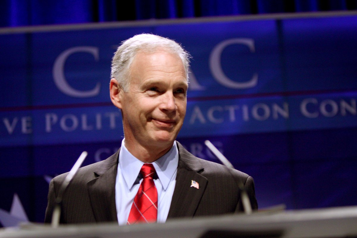 What would you call a man who spends the Fourth of July in Moscow?   You'd call him #RussianRon.   Call @ronjohnsonWI and tell him we want Senators who don't spend Independence Day in Red Square.   (202) 224-5323 https://t.co/LypArR3OyN