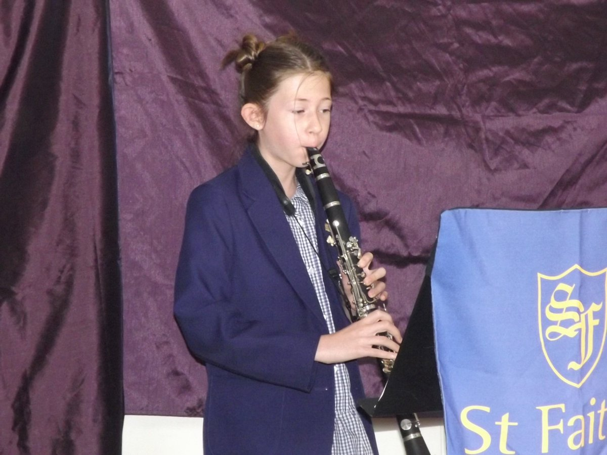 A super start to Tuesday morning with a Music concert held in Teams. A concert with a difference, but nevertheless still most enjoyable. @ABRSM @iSAMS @isaschools #prepschool #music #firstclassteaching #thinkdifferently https://t.co/aLx4NKskas