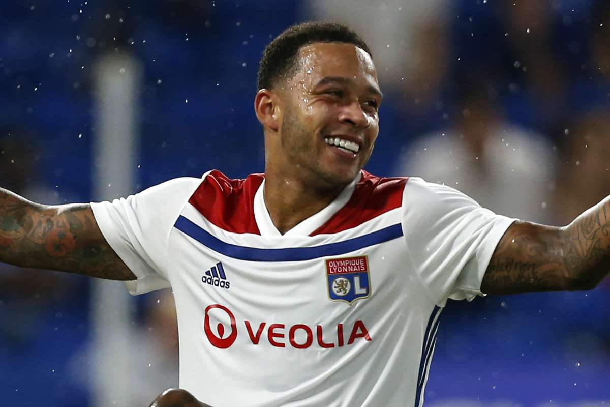 @FCBarcelona already agreed personal terms with @Memphis.  Now after selling players, it's time to buy players and they are going for Depay. They will be making the first official bid to @OL, which will be around €25M.  [@FabrizioRomano] #depay #barça #lyon https://t.co/e6Z5svrDc4