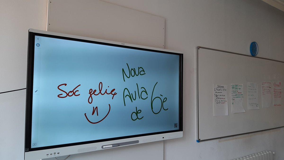 🖥️ Tres noves smart TV han arribat a les aules de #JEPobleSec per ajudar a potenciar les competències tecnològiques dels alumnes de #MOPI i de #Primària. Benvingudes! https://t.co/M3wX1q53OR