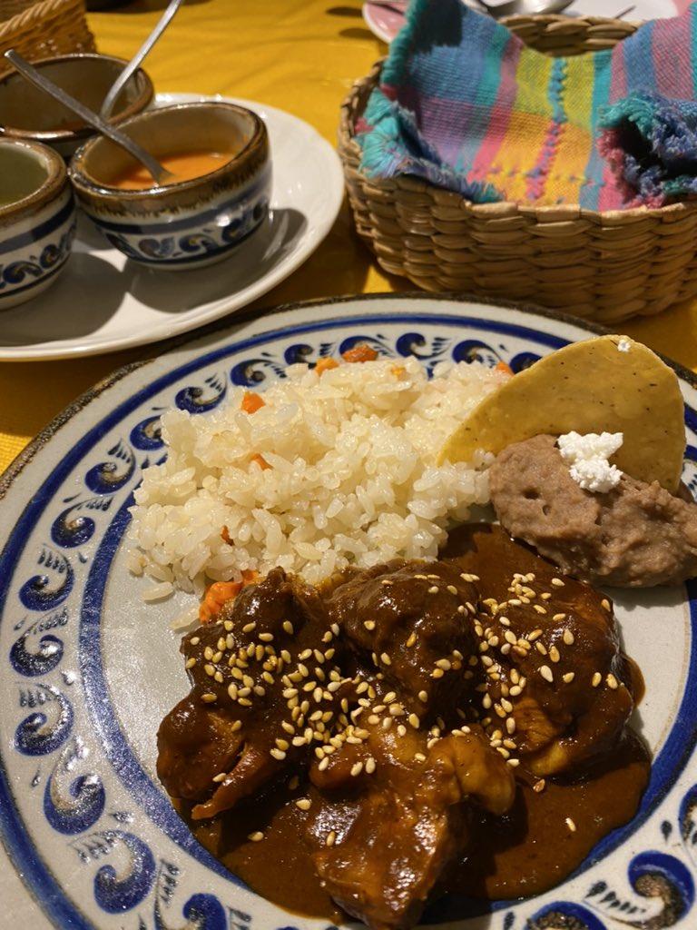 メキシコには麺はあるの?!ビールはテカテからのワカモレ、タコス、食の世界遺産のコンモレも頂く。メキシコにぶっ飛びでした。