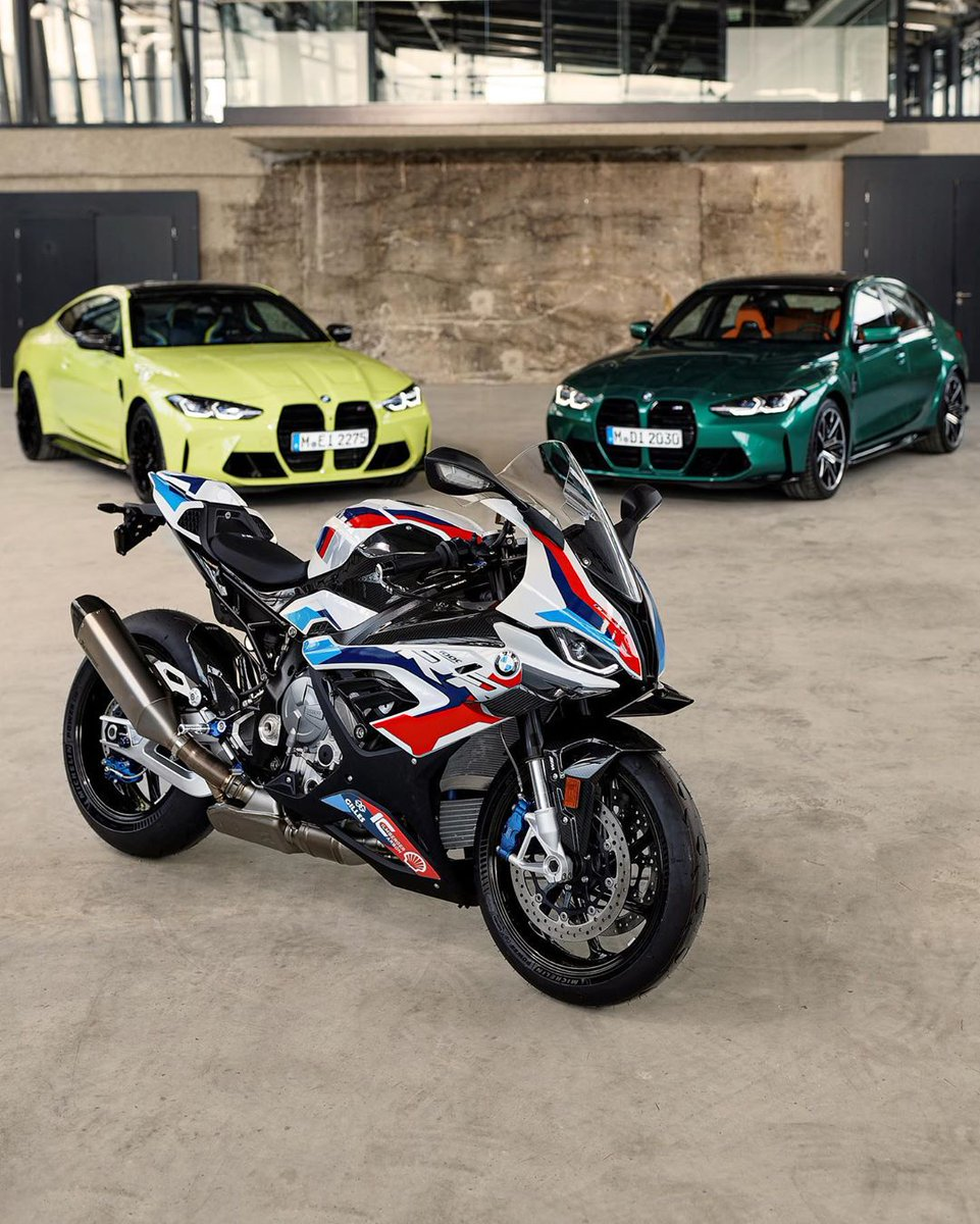 M DNA'sı bir arada. Yeni BMW M 1000 RR ve 4 tekerlekli ailesi M heyecanını yollara taşımak için sabırsızlanıyor. #MakeLifeARide #BornOnTheRacetrack #MRR #M1000RR #NeverStopChallenging #BMWMotorrad #BMWMotorradTürkiye https://t.co/AZVcDmQP0y