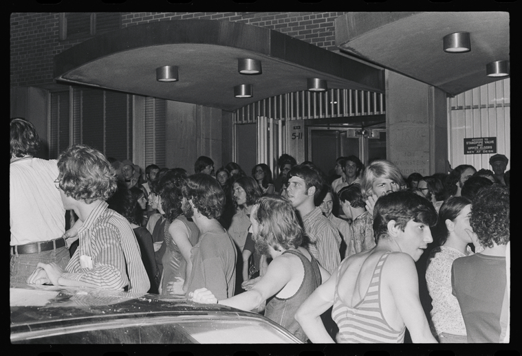 Fifty years ago this week, a group of NYU students and local LGBTQ+ activists staged a sit-in at the Weinstein Residence Hall subbasement for five days in protest of the University's cancellation of an LGBTQ+ dance.   📷: Diana Davies/@nypl https://t.co/lyYxN8zGR0