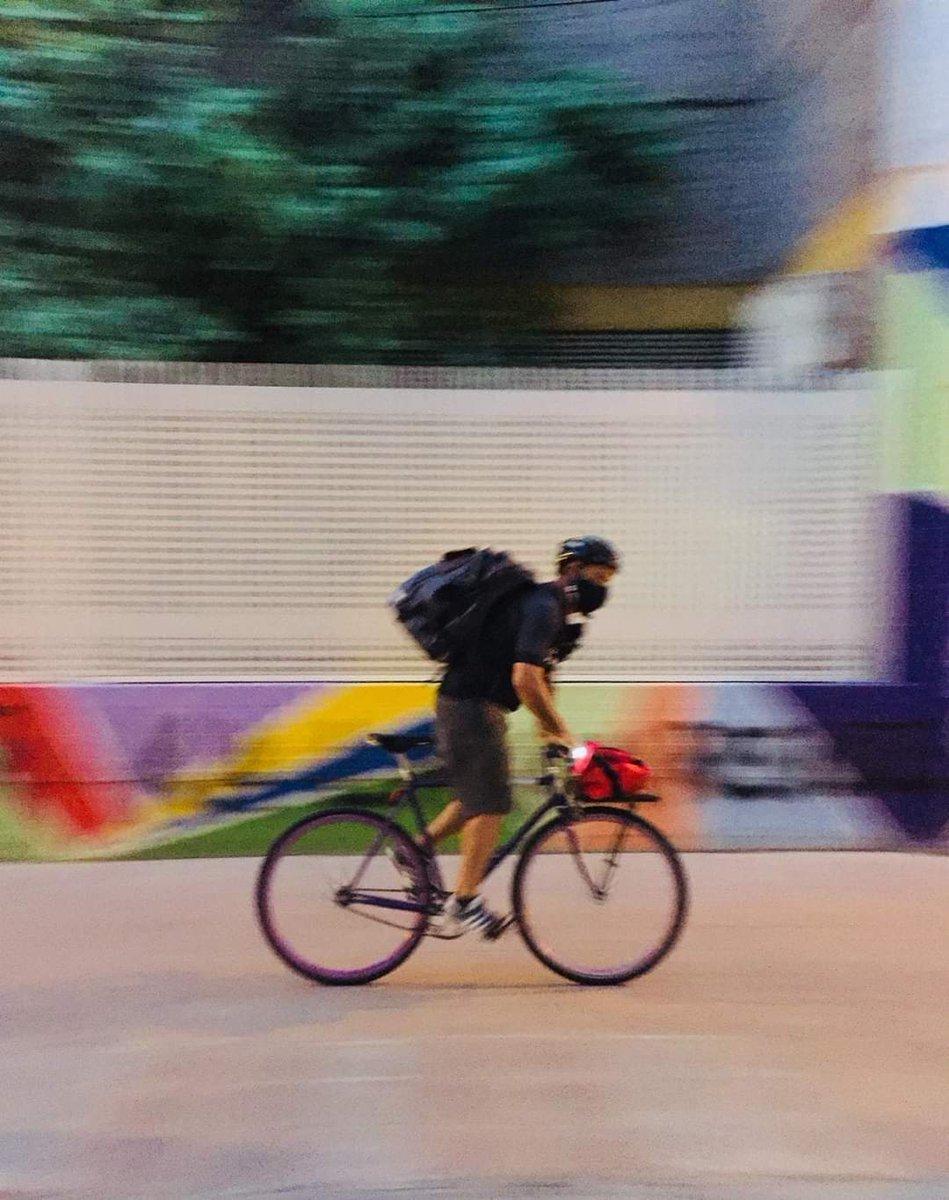 Rider 1- Glovo 0  Me alegra este gol judicial que acredita la ilegalidad.  Para ganar por goleada a las multinacionales de la explotación y la precariedad, llamamos a Zámpate, cooperativa de repartidores en bicicleta que respetan los derechos laborales 🚴 https://t.co/ERkcUyKZDW https://t.co/WZrgYjZAff