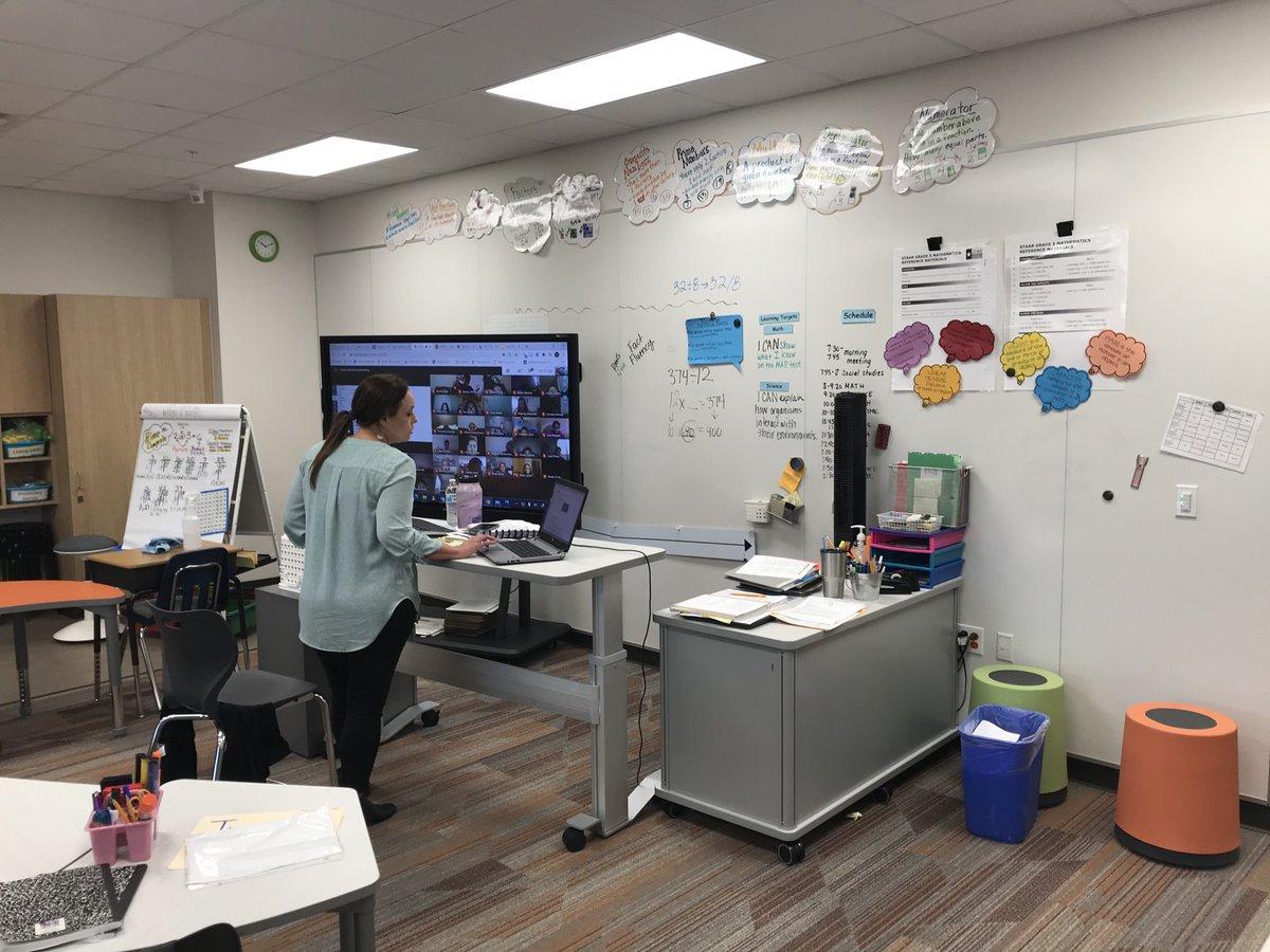 I ❤️ this 💪🏼 setup for virtual learning @TigerNetwork Strickland STEM Academy! @CFBISD