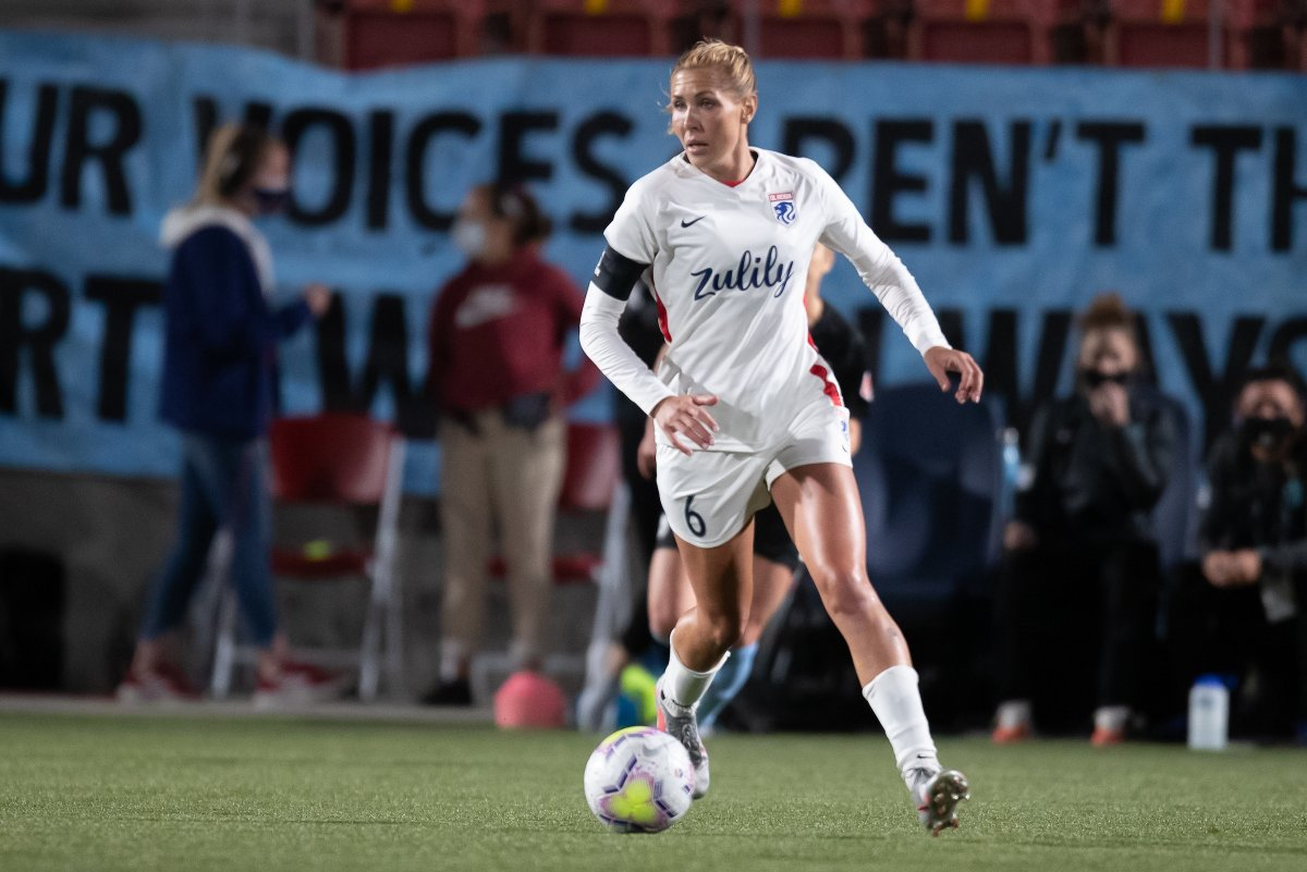 .@ALLIE_LONG of the House Reign, First of Her Name, the Relentless, Queen of Gulag, Commander of Passes, Ruler of the Midfield and Mother of LFG. 👑