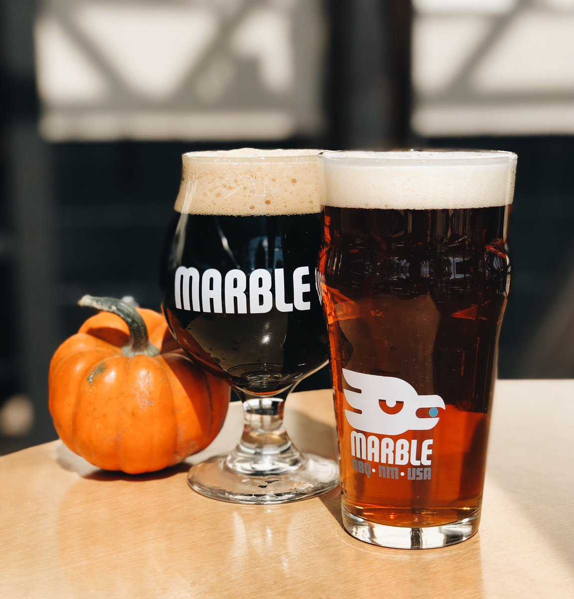 Pick your pumpkin! Pumpkin Ale and Pumpkin Noir are both available on draft at all locations!  #craftbeer #pumpkinbeer #pumpkin #fall #nmbeer #abqbeer #marblebrewery #pumpkinale #pumpkinnoir https://t.co/3p7OkXzhKg