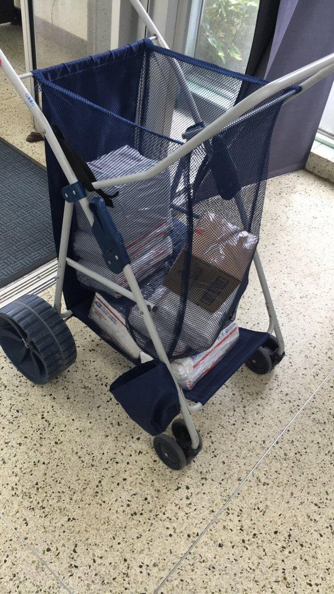 Just used my beach stroller to deliver packages to USPS 😂 I'm so cheap. I love it 🥰 📦