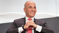 The  @USGA reportedly wants to name a successor to retiring CEO Mike Davis before the 2021 U.S. Open next June.  I'm guessing former @PGA CEO Pete Bevacqua, now president of The NBC Sports Group, is a prime candidate. #usga #usopen #golf #mikedavis #petebevacqua @GeoffShac https://t.co/5rTZkZ9Sc9