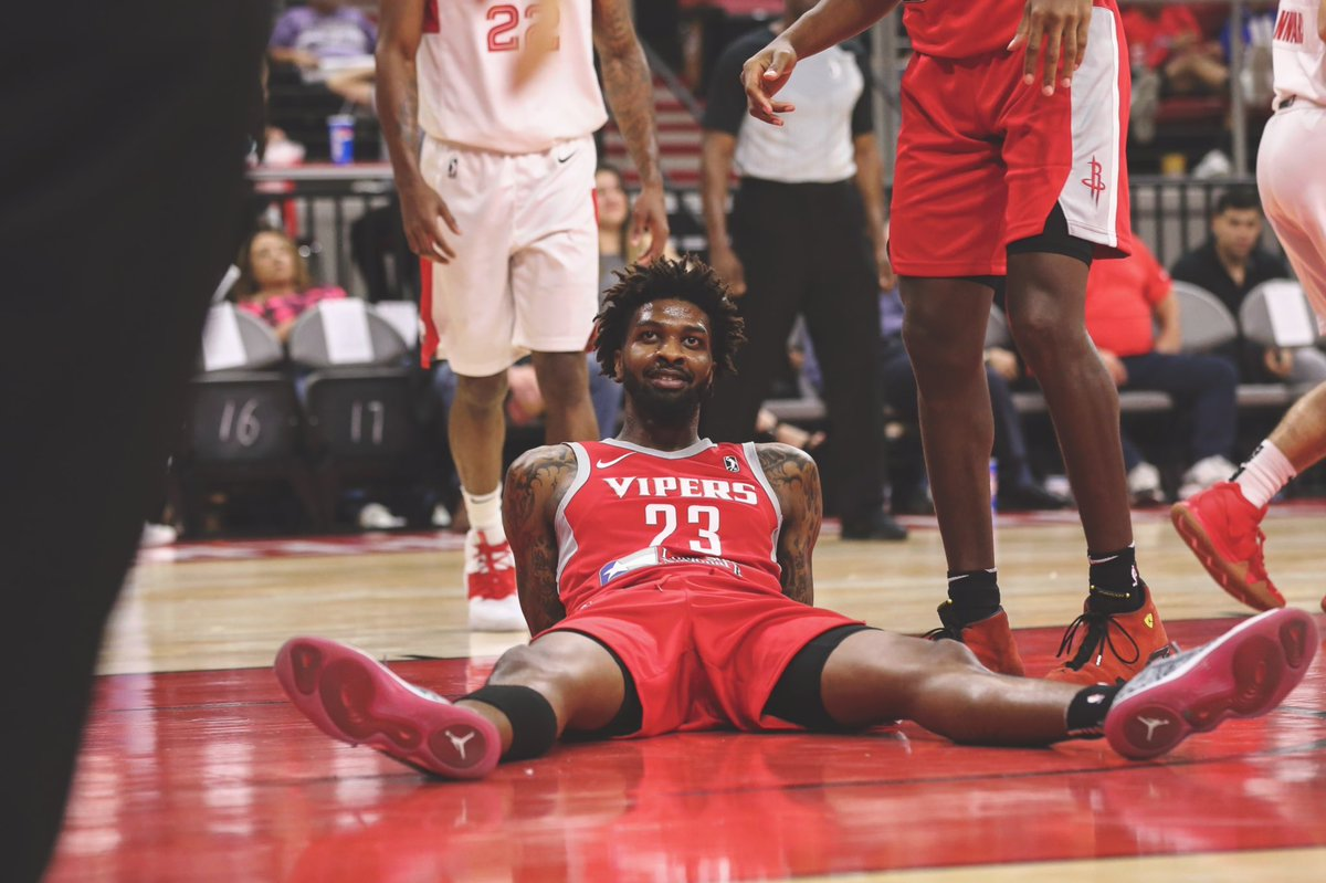 Us waiting for 7pm...  *Vipers Got Game Tonight!* ➡️ https://t.co/TUXDfB9F57  #RGVVipers #NBAGLeague #VipersFam #GameNight https://t.co/u97hZHHCAo