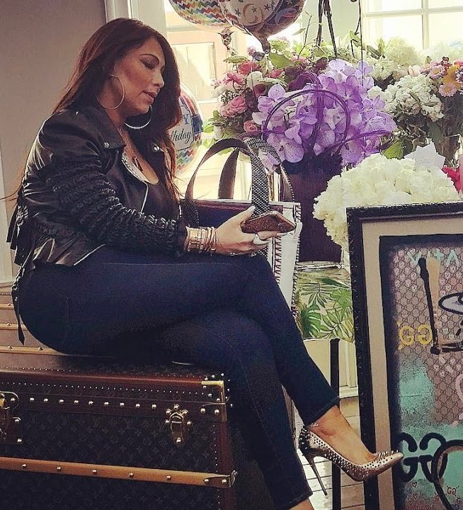 Thinking about when Mariah Carey got her toxic manager a Louis Vuitton suitcase for her birthday and then fired her days later https://t.co/HK1BRCNCKW
