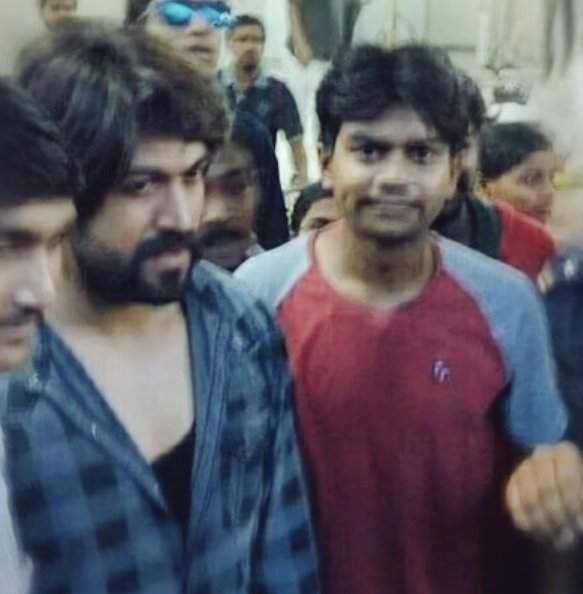 Happy born day bro @LikhithR22 🤗❤  #KGFChapter2 #Yash https://t.co/M5iR8lqUFC