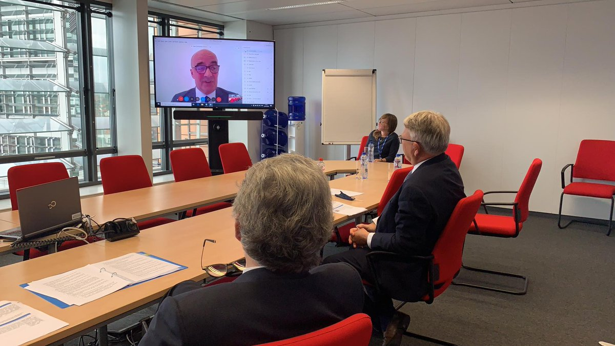 Fantastic to get so many members of the automotive industry around the (virtual) table to discuss the Commission's upcoming Pact for Skills together with @ThierryBreton! We will launch the Pact in November. To know more about the #EUSkillsAgenda: https://t.co/gQCQW0bSbe https://t.co/gNX2FlW5Eq