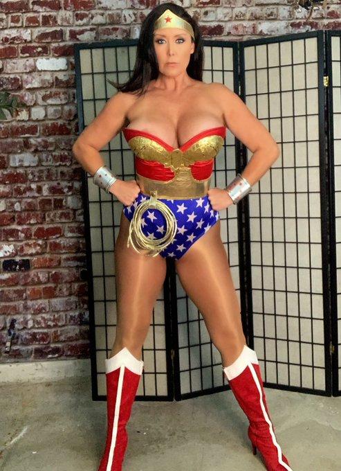 You were saying? #WonderWoman https://t.co/qhGuvoJGtV