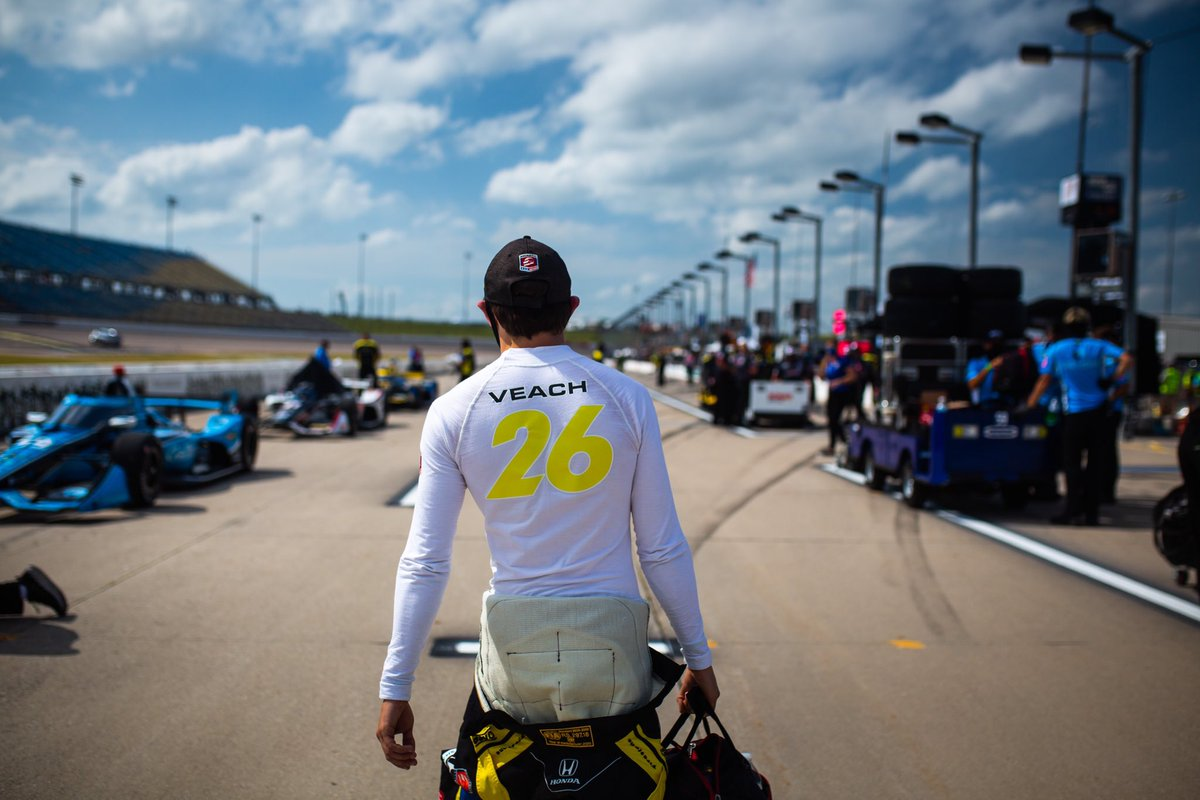 Stepping out of the car is the hardest decision I have ever made, but to me, racing is about family, @FollowAndretti is my family and I am doing this to allow the team to have time with other drivers as they prepare for 2021, and so that I can also explore my own 2021 options. https://t.co/KXNjitpLSF