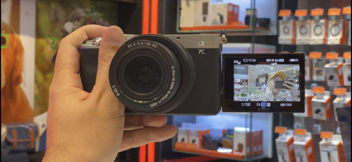 ไปลอง Sony A7C ที่คนไม่ค่อยปลื้มกันเท่าไหร่   มันคือ A7 III.5   - Color Science ดีขึ้น - S-Log เริ่ม ISO ที่ 500 อันนี้ดีขึ้นชัดเจนจากบรรดา A7 ที่ออกก่อนปี 2020 - รวมๆปรับสีง่ายขึ้น เฉดดีขึ้นกว่า A7 iii  - มี Gyro Data - ไม่มีกันสั่น Active Mode https://t.co/KDWPgQY1Tx