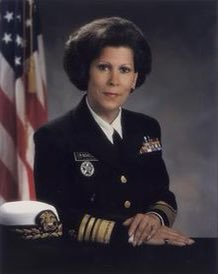 Hispanic Heritage Day 8: Antonia Coello Novello, a Puerto Rican physician and public health administrator. She served as 14th Surgeon General of the US from 1990 to 1993. She was the first woman, first person of color, and first Hispanic to serve as Surgeon General. @BogotaPublic https://t.co/15azGHhtPv