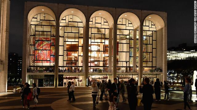 """The Metropolitan Opera announces it has canceled the entire 2020-21 season due to the """"ongoing health crisis"""" https://t.co/MwDVnfkZ9V https://t.co/yfnwzvWcqc"""