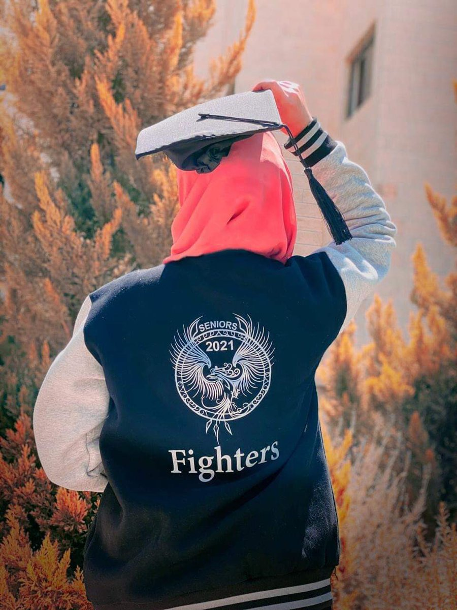 I can do it🎓 Grad to be.. #soon 🎓👌 #Fighters 💪 #english_major_students 🖤 #senior 2020/2021 💙 https://t.co/SNiA91kdA6