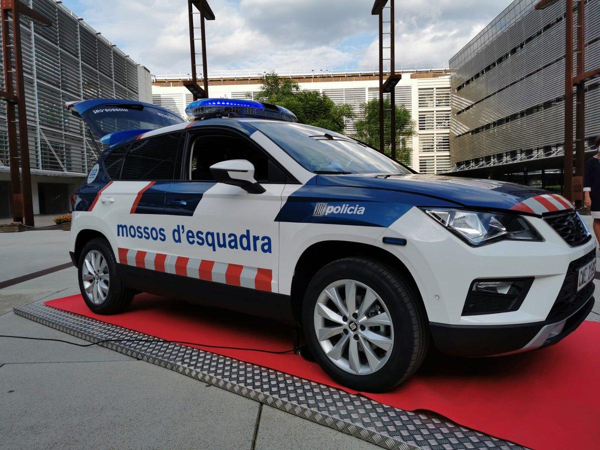 """💬 Comissari en cap, Eduard Sallent: """"Aquests vehicles són més sostenibles que els anteriors perquè el cos ha d'afrontar els mateixos reptes que preocupen a la societat"""" 👉 https://t.co/9sPEbtCe9s https://t.co/m5o23UjYd3"""