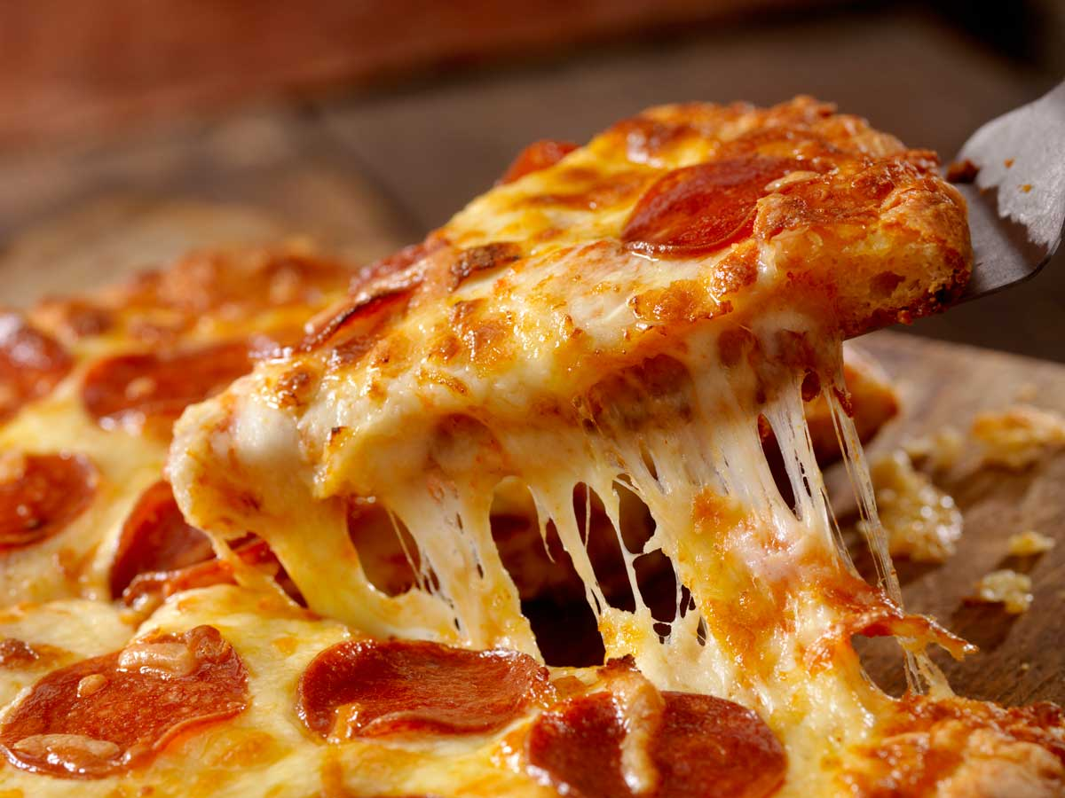 READ: Pizza is a food stuff that inspires a lot of passion in some people - are you a defender of pineapple as a topping, or should fruit stay firmly off your pizza? #cornwallcoast #newquay #visitcornwall #nature #uk #photography #cornish   https://t.co/UhDx99NnAU https://t.co/k73w60lHsn