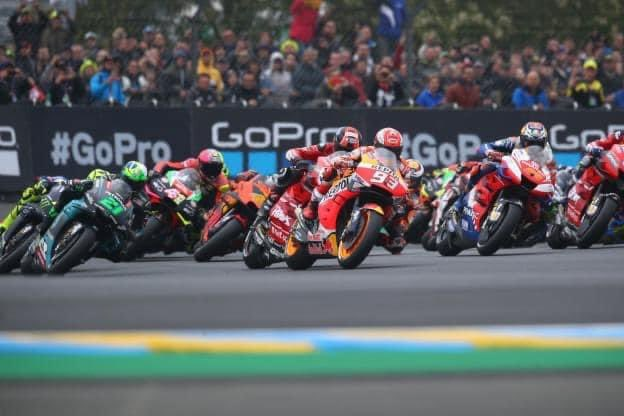 [#MotoGP] 🅾️fficiel: Le Grand Prix de France 🇫🇷 Moto 2020 #FrenchGP pourra accueillir 5.000 personnes maximum❗️ ▪️Les places seront UNIQUEMENT en tribunes et pour le DIMANCHE 11 Octobre. https://t.co/f5kvAQ3CY2