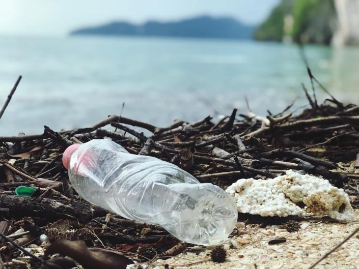 Cómo detectar la presencia de microplásticos en el agua. https://t.co/oYhPh4BjER  #microplásticos #contaminación #agua #detección #laboratorio #equipamiento #shimadzu #raman #microscopia #ftir #industria #medioambiente #alimentos #plastico https://t.co/h4CjDccJaI