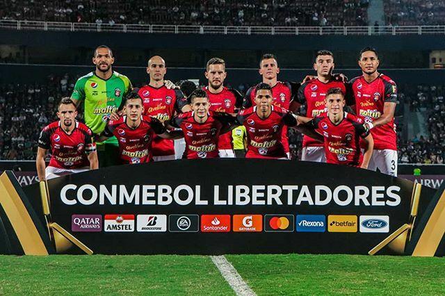 Caracas FC previo al arranque del partido