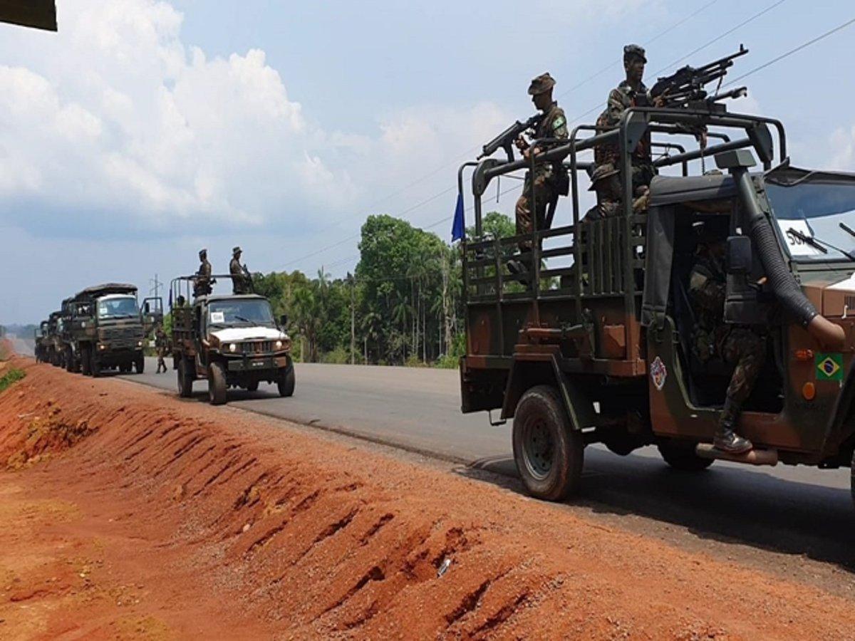 Início da manobra ofensiva da 16ª Brigada de Infantaria de Selva no maior exercício do ano na região amazônica https://t.co/XDcLW5ffVj #BraçoForte #MãoAmiga https://t.co/7pSNgT61OD